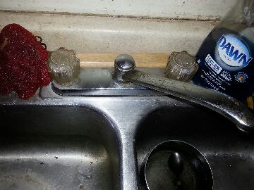 Oroville, CA - Plumbing Oroville. Orville plumbing. Repair kitchen sink faucet. Install lav faucet.