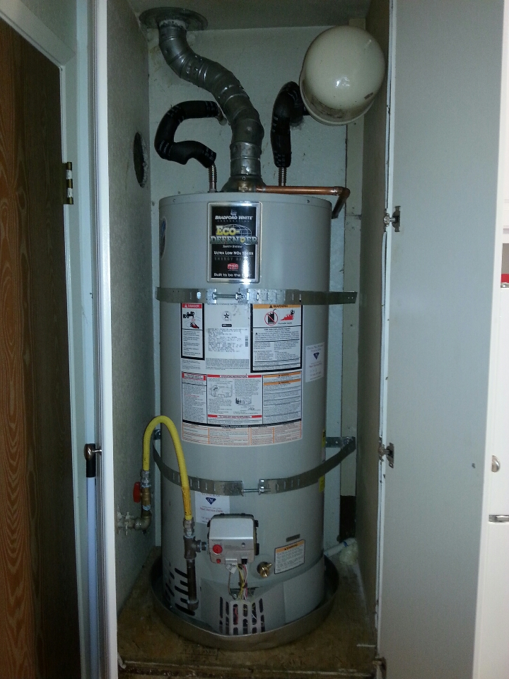 Loomis, CA - Plumbing Loomis. Loomis plumbing. Install new thermocouple existing water heater.