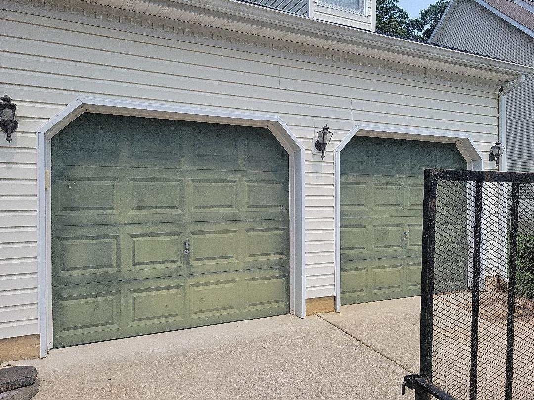 Dover, DE - Replacement of current garage doors
