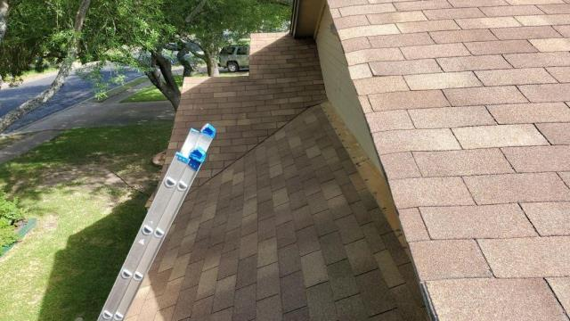 Austin, TX - Roof Replacement Austin Texas Insurance Replacement Wind Damage Hail Damage Austin Texas Certainteed ZT 25 Resawn Shake