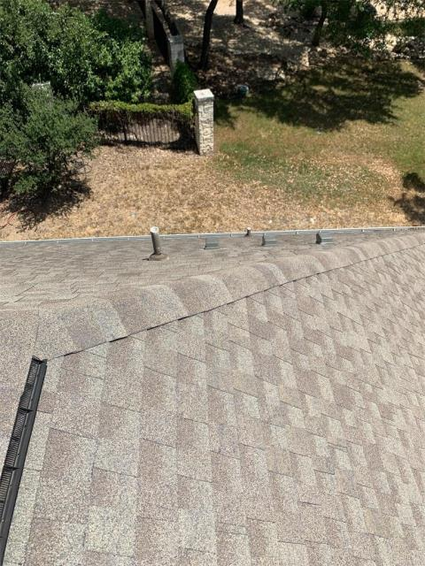 Georgetown, TX - Roof inspection possible hail damage in Georgetown Texas. Looking to get roof replaced. Insurance contacted and working to meet with an adjuster.