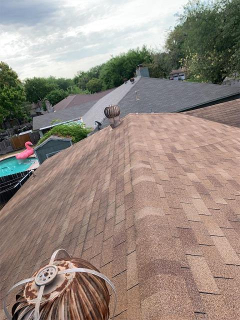 Round Rock, TX - Roof Inspection in Round Rock Texas for possible replacement. Insurance recommended we come out and take a look at the roof for them. Possible claim due to hail damage.