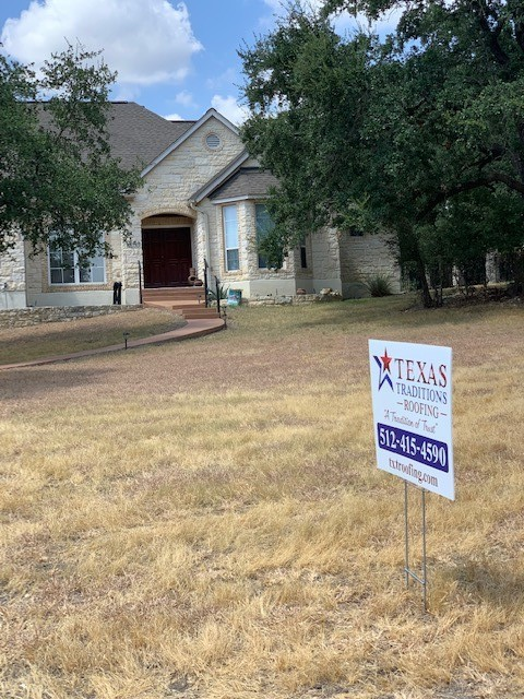 Georgetown, TX - Roof replacement for hail damage in Georgetown Texas, Fountainwood neighborhood! We are going back with a Class 4 hail rated shingle that will protect this home for years to come!