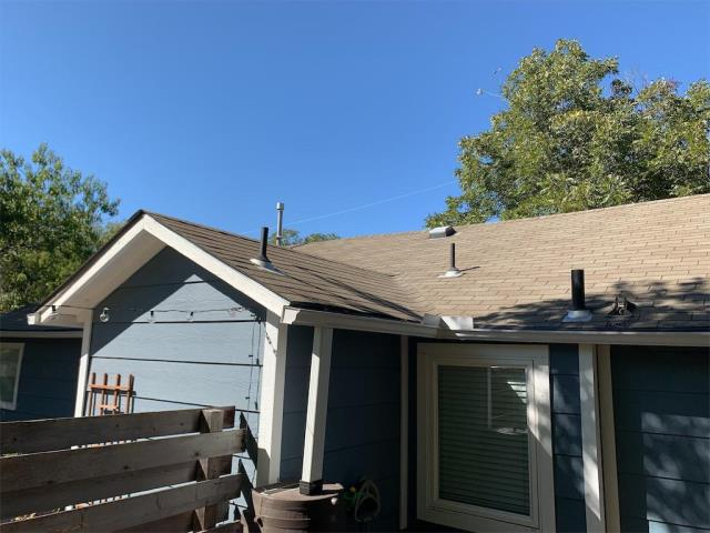 Georgetown, TX - Roof replacement in Georgetown Texas for insurance approved claim. Homeowner is receiving an upgraded shingle for their installation!
