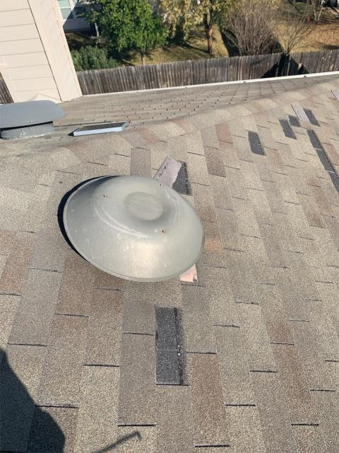 Georgetown, TX - Roof needs to be replaced due to wind damage. Home claimed by insurance company. Homeowner wants wind resistant shingles installed on his roof.