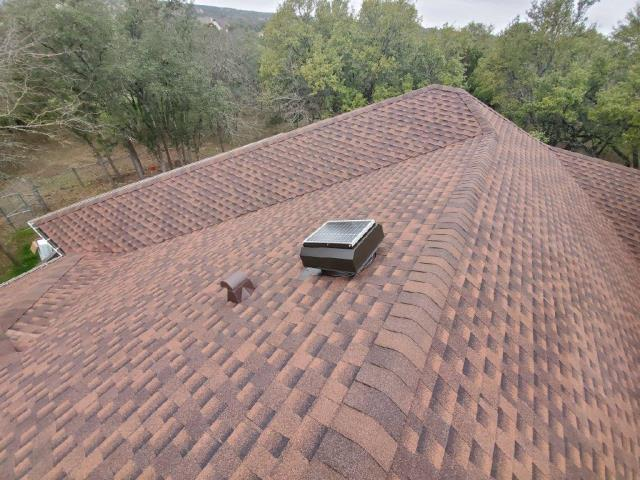 Georgetown, TX - Roof replacement in Georgetown Texas. Insurance approved roof replacement. Class 4 hail rated shingles installed with Golden Pledge and Attic Breeze!