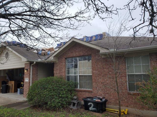 Cedar Park, TX - Residential roof replacement Cedar Park Texas. Homeowner needed residential hail bid for roof repair and found local roofing company in Georgetown Texas.
