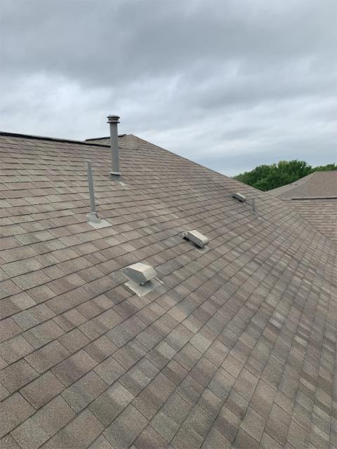 Round Rock, TX - Roofing Company in Round Rock Texas providing free roof inspections to all clients with possible storm damage to roof and insurance claims. Texas Traditions Roofing is your trusted local roofing company.