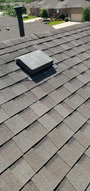 Georgetown, TX - Residential Roof Company in Georgetown Texas that helps with storm damage in Sun City Texas. Texas Traditions Roofing provides free roof inspections and repairs for all your roofing needs.