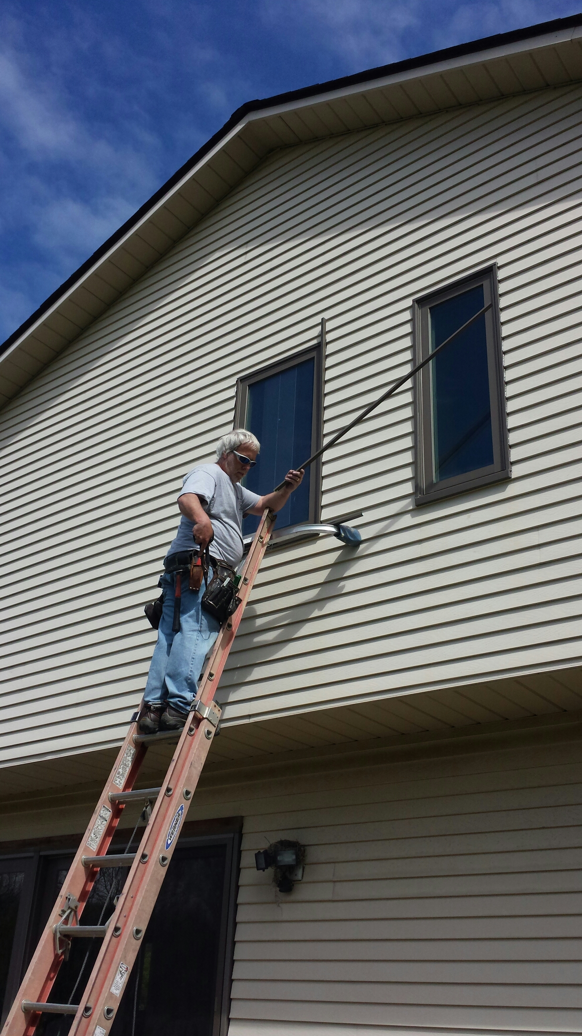 Strongsville, OH - Installing beautiful casement windows in Strongsville..Renewal by Andersen