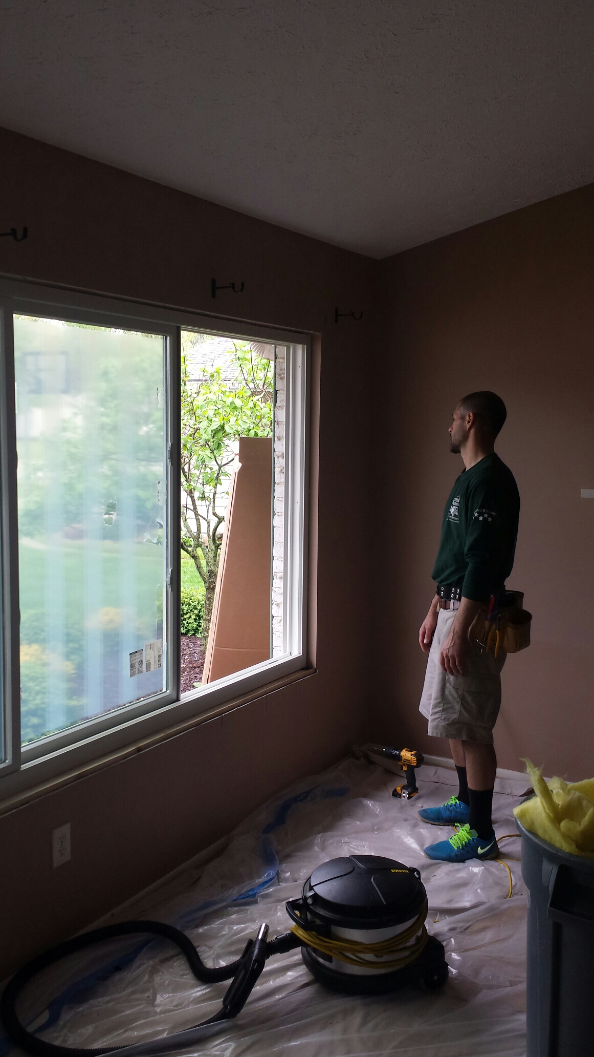 Strongsville, OH - Another perfect picture window install in Strongsville..Renewal by Andersen