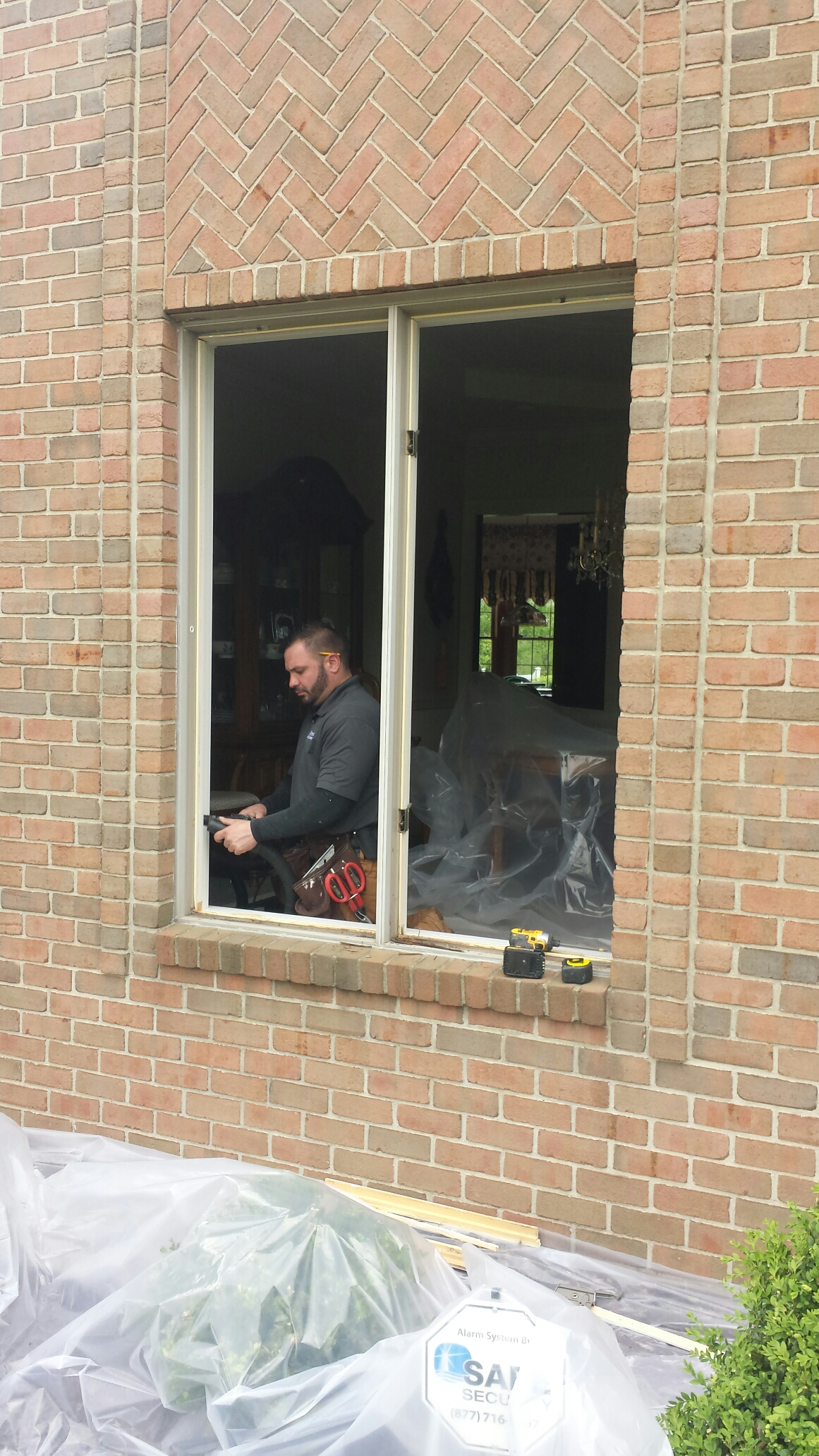Canton, OH - Installing beautiful casement windows in Canton..Renewal by Andersen
