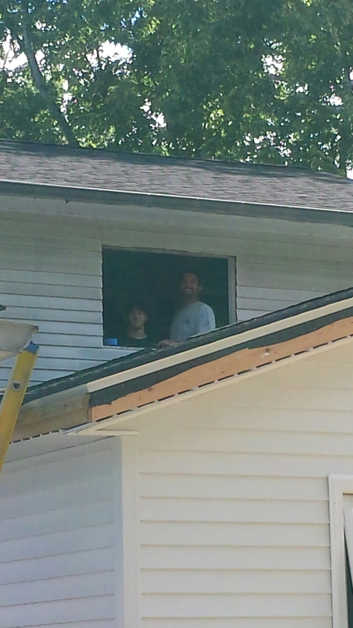 Mentor, OH - Installing beautiful gliding windows in Mentor. Renewal by Andersen