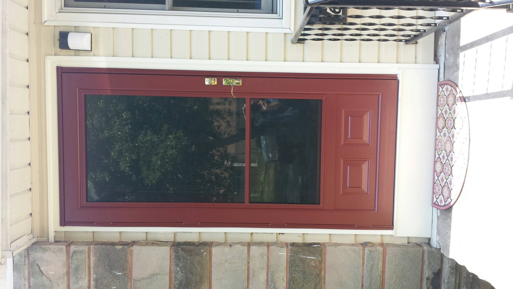 Mentor, OH - Beautiful entry and storm door installed in Mentor. Renewal by Andersen