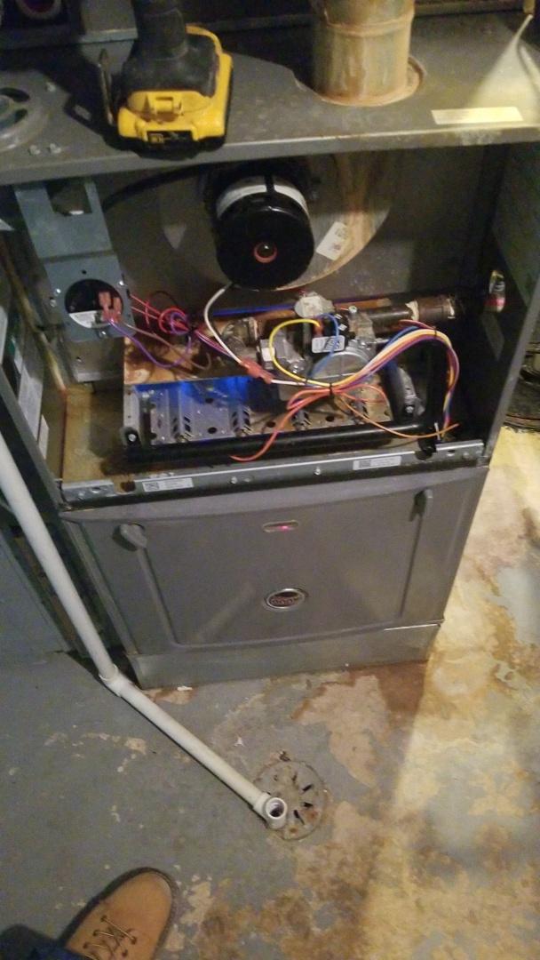 Tinley Park, IL - Maintenance on Ruud gas furnace