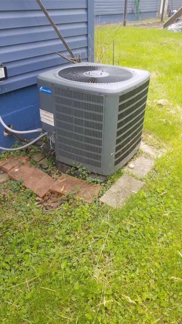 Griffith, IN - Repair Goodman central airconditioner unit