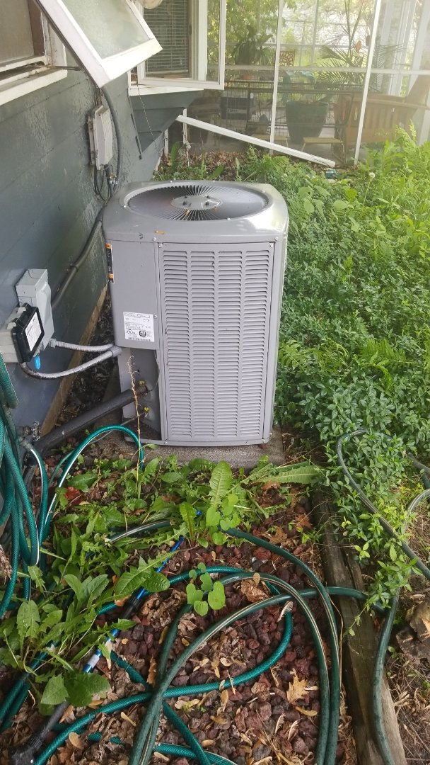 Dyer, IN - Maintenance on central airconditioning unit