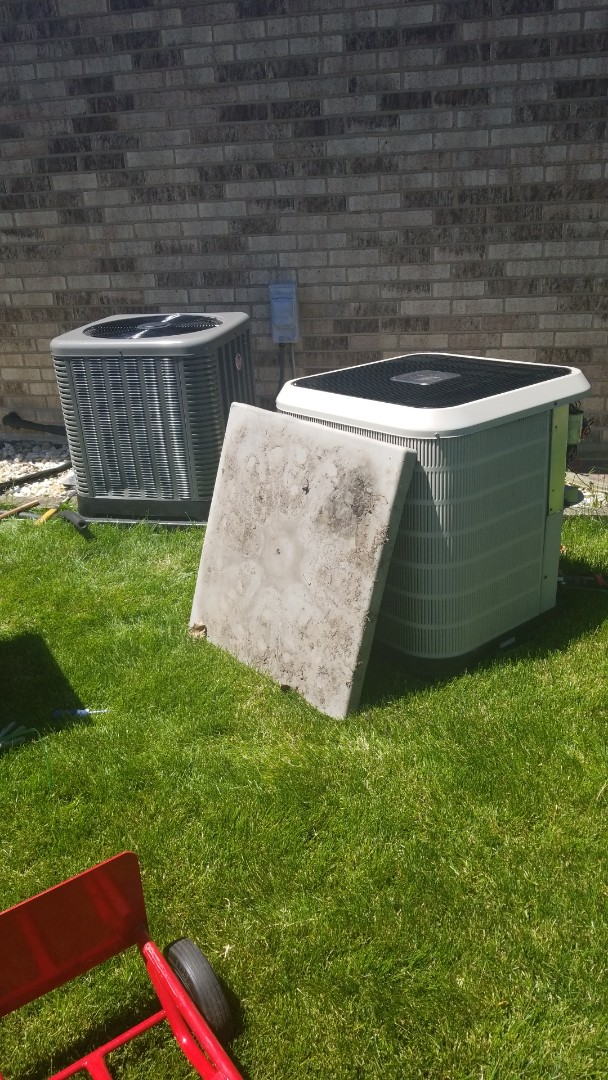 Orland Park, IL - Airconditioner installation call for new airconditioner