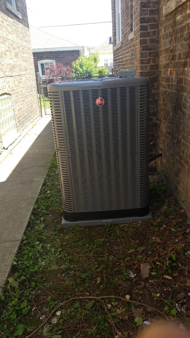 Chicago, IL - Airconditiong call. Installation of 16seer aircobditioning system