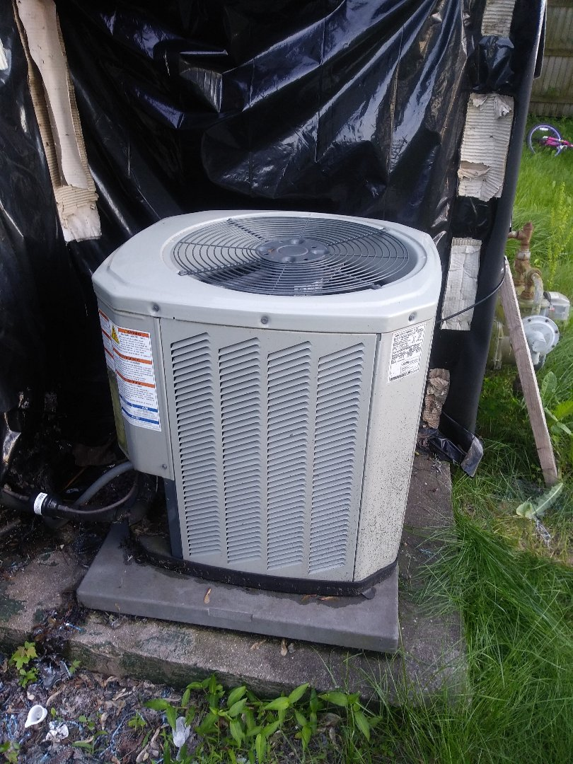 Gary, IN - Airconditioning service call on American Standard