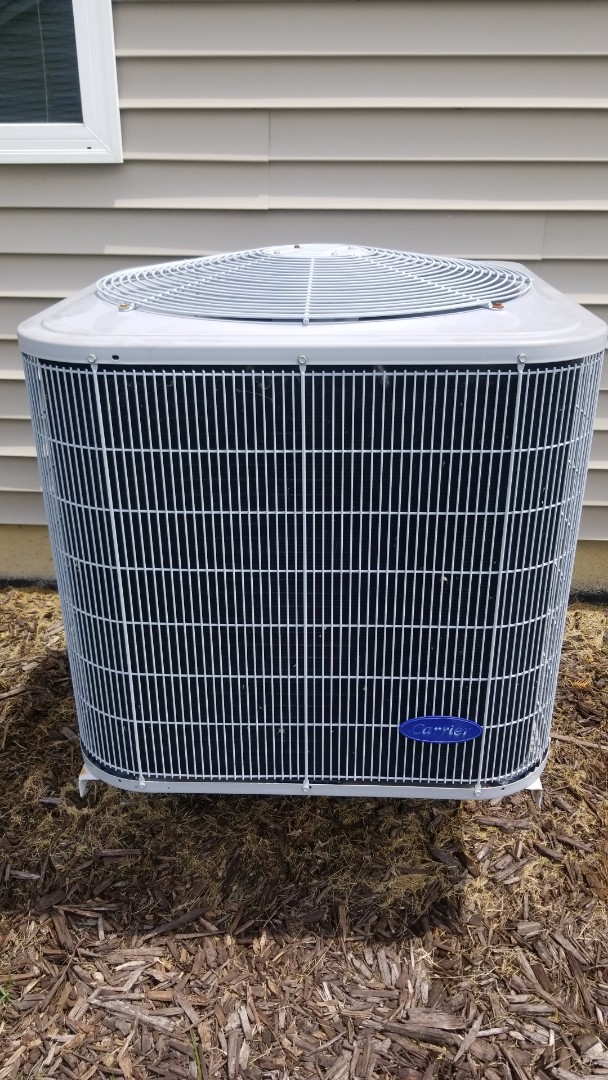 Highland, IN - Airconditioning maintenance  on Carrier unit