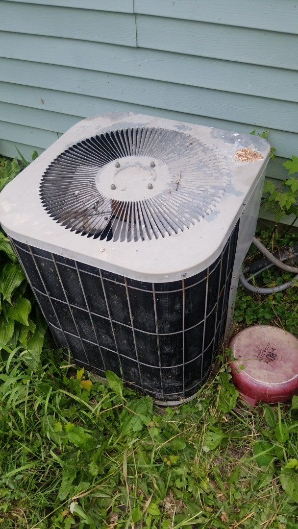 Chicago, IL - Airconditioning repair on Goodman unit