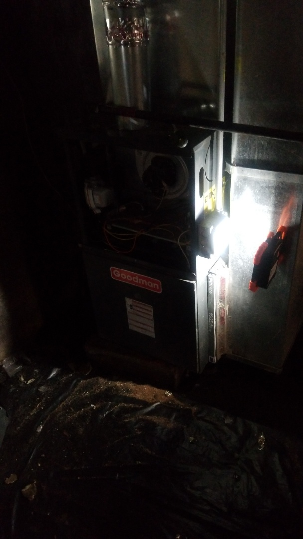 Chicago, IL - Furnace repair on Goodman furnace