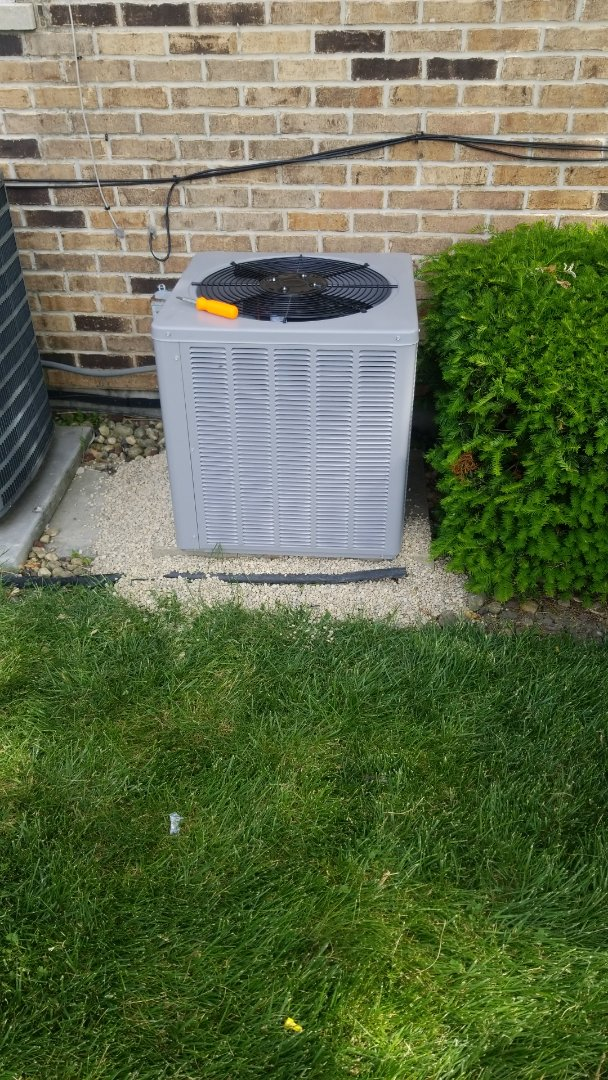 Lynwood, IL - Install new airconditioning unit