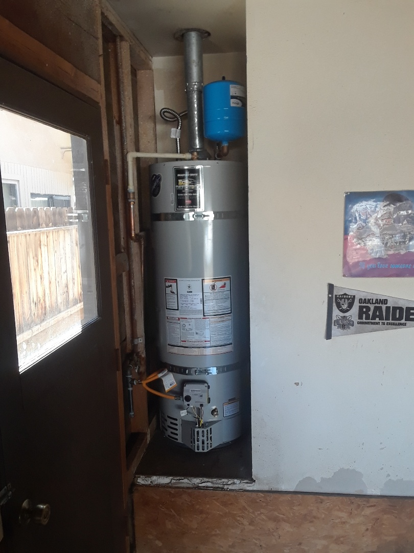 Modesto, CA - 40 gallon natural gas water heater change out.