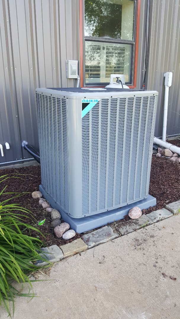 Sherman, TX - 20 SEER Daikin heat pump complete install for the Bracken family. Sherman