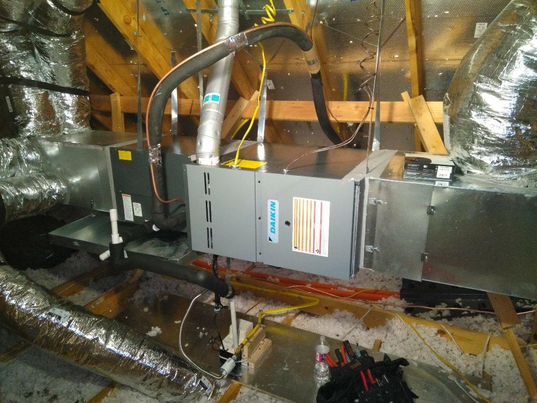 Celina, TX - disconnect the u/s4 ton Sistem and installing new 3 Ton units
