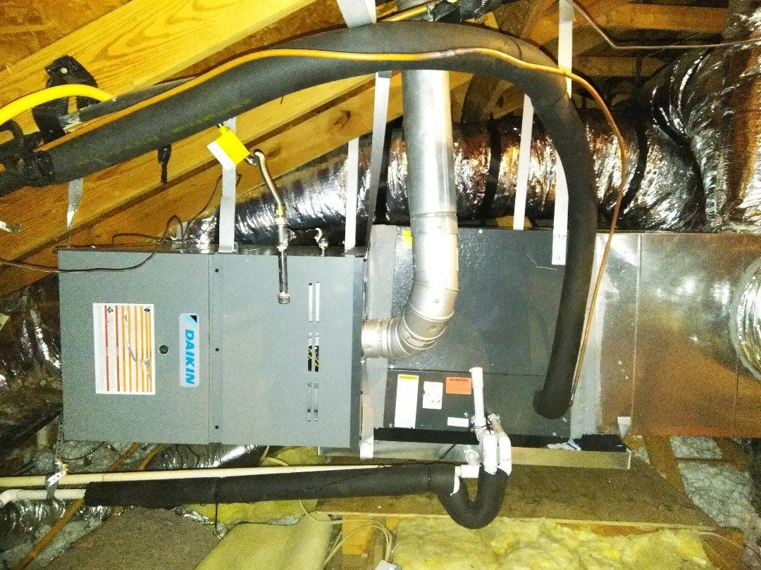 Frisco, TX - Installing 5 ton Daikin gas Sistem