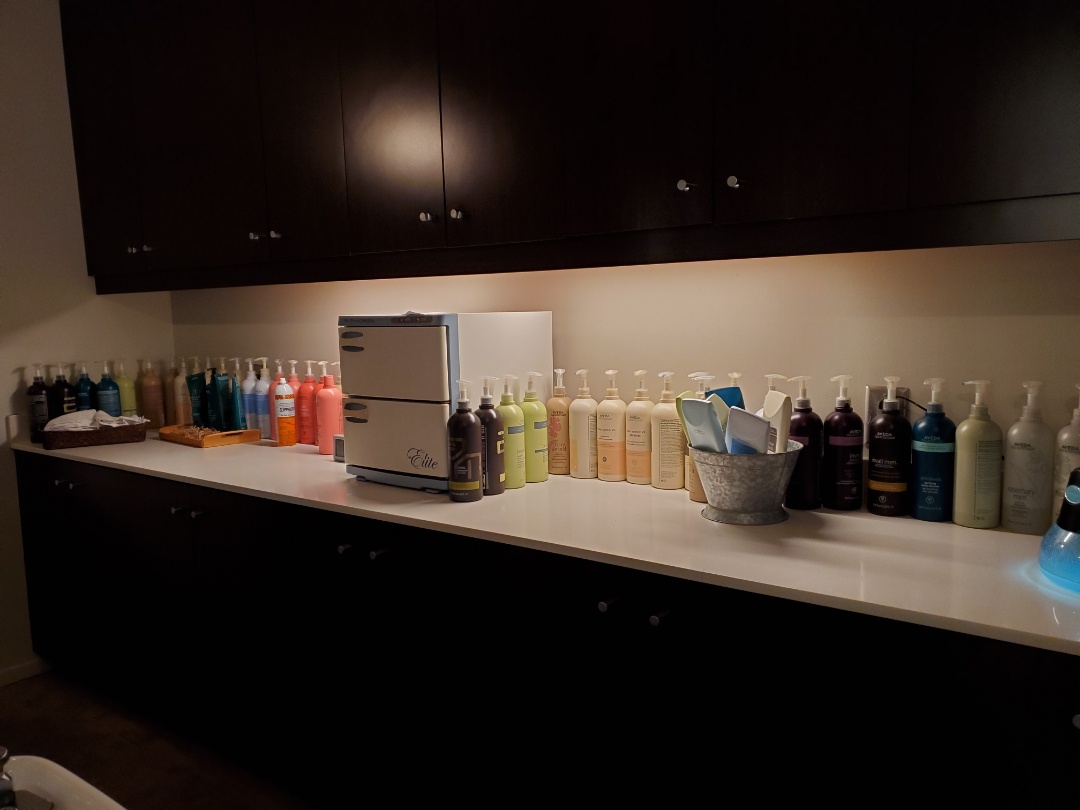 Peachtree City, GA - How about some new under cabinet lighting? We do that too!