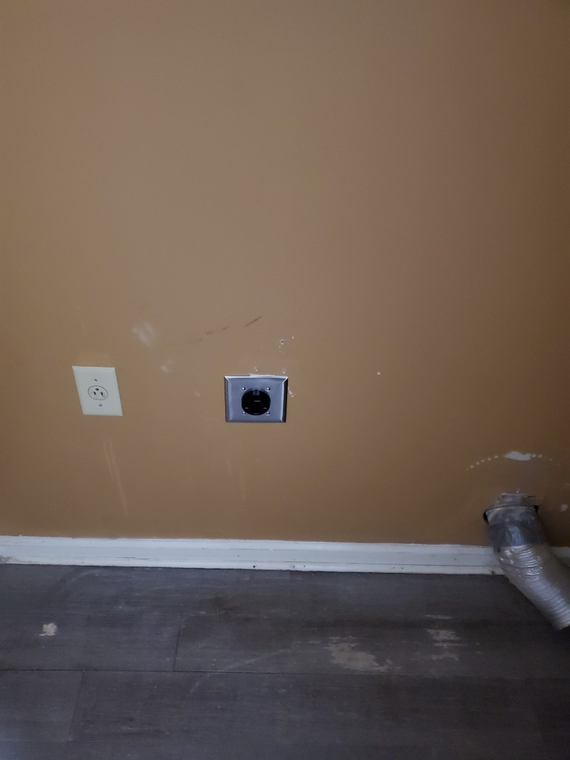 Roswell, GA - Installed a new dryer receptacle for a customer, and also fixed up a few little wiring issues for them in their new home.