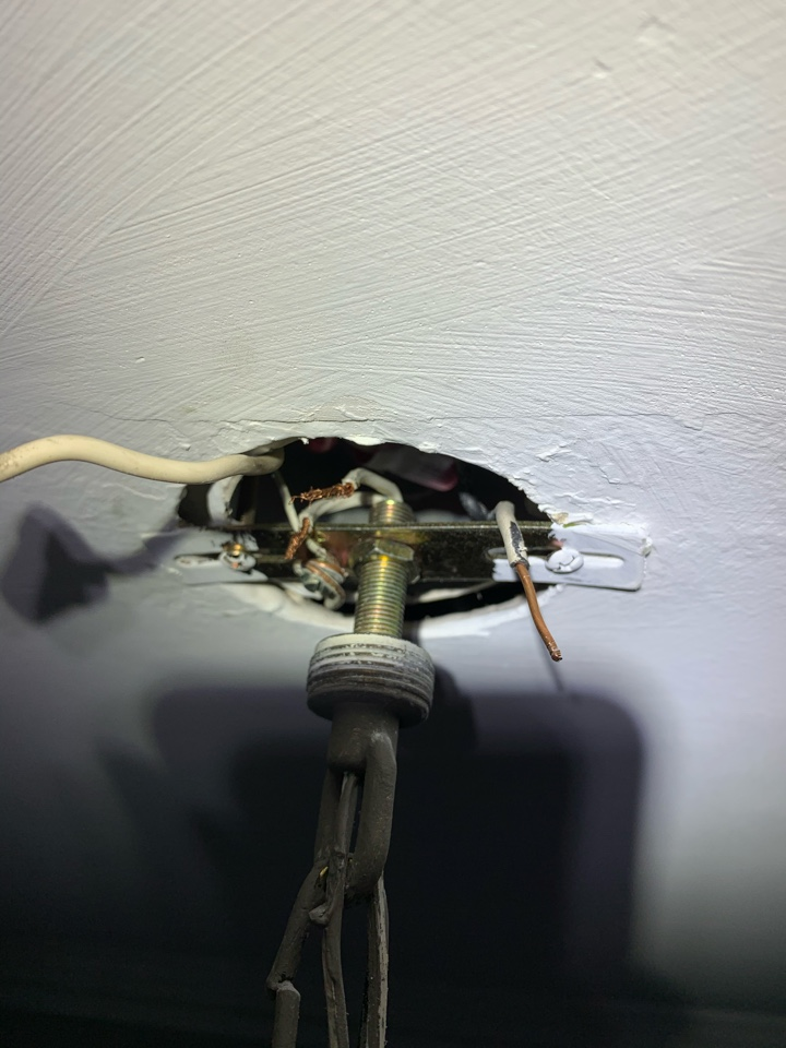 Marietta, GA - Just diagnosed an issue with a light fixture for a customer.