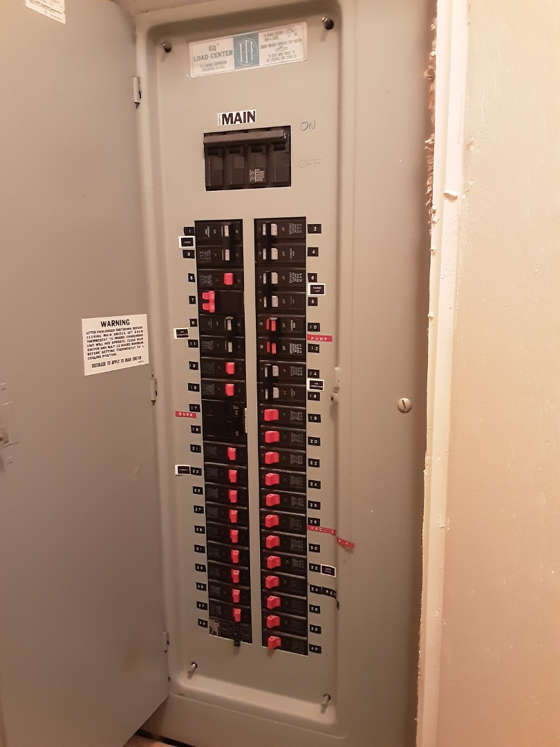 Atlanta, GA - Leaving an estimate to replace a breaker panel to fit more circuits in a home