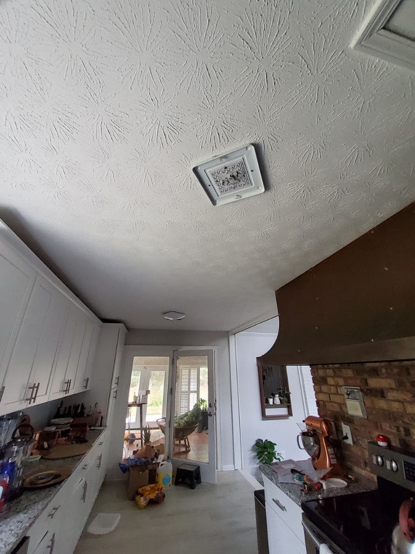 Fayetteville, GA - Fix an issue with lights not working and installed 2 new fixtures for the customer