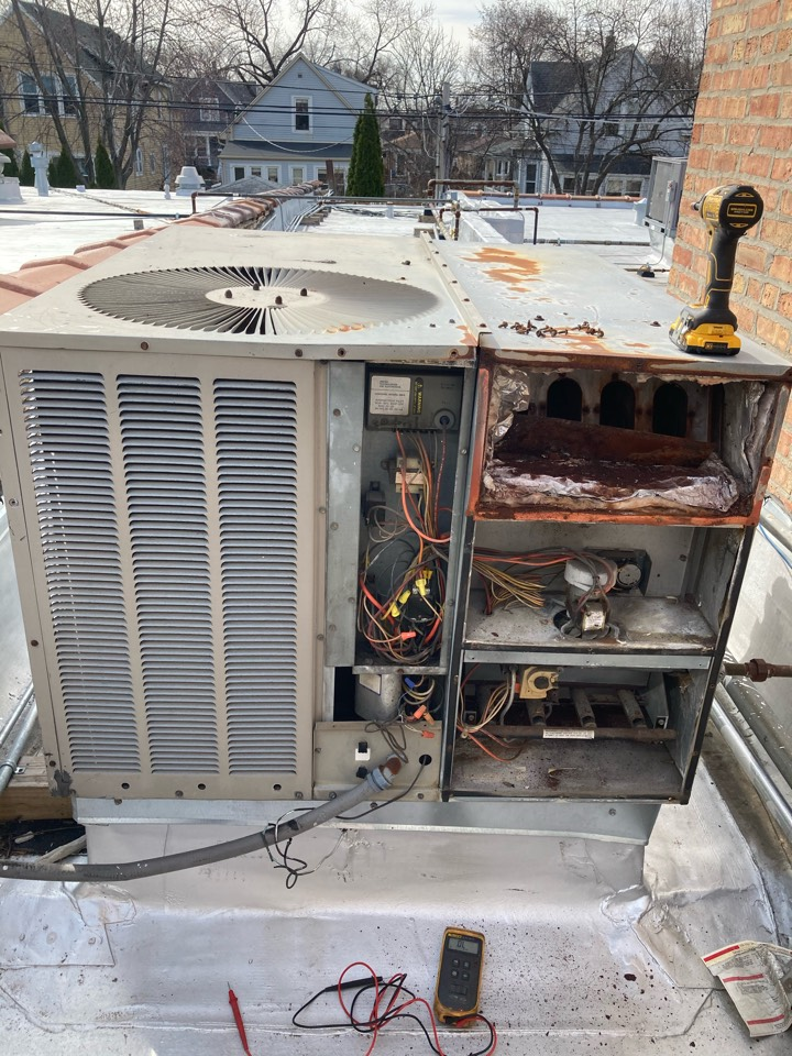 Chicago, IL - Roof top unit heating repair!
