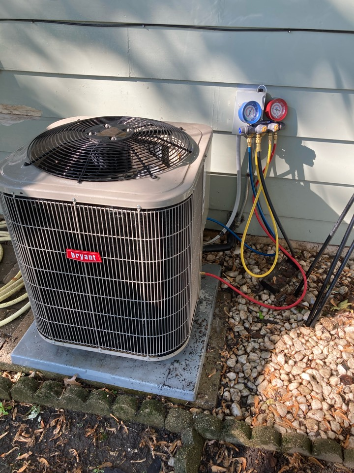 Lombard, IL - Air conditioning emergency service,  replaced dual run capasitor, cleaning and tune up! Unit working great now!