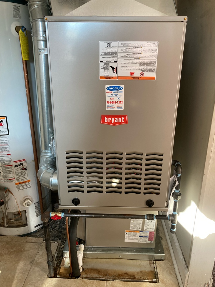 Northlake, IL - Brand new down flow ifurnace and air conditioning install for a home with cralspace.