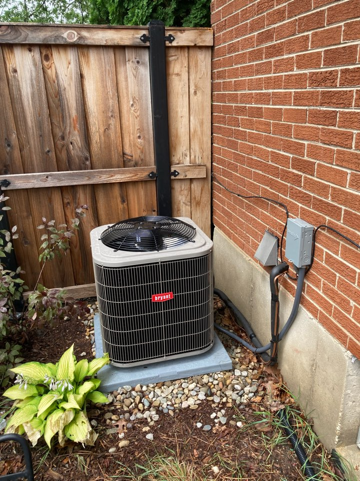 Elmhurst, IL - On this Project Out team repaired indoor airflow and upgraded the air conditioning system!
