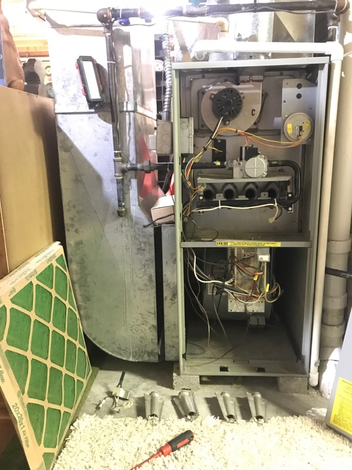 Temperance, MI - Performing furnace tune up on a Trane furnace
