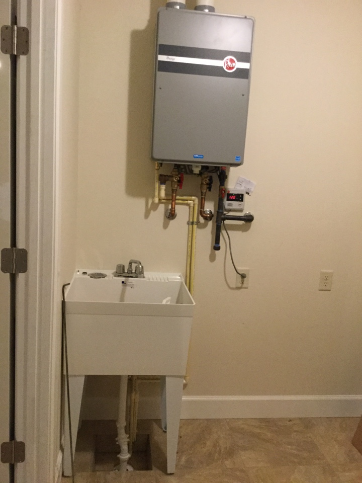 Maud, TX - Plumber needed, Rheem tankless water heater I installed in my new house.