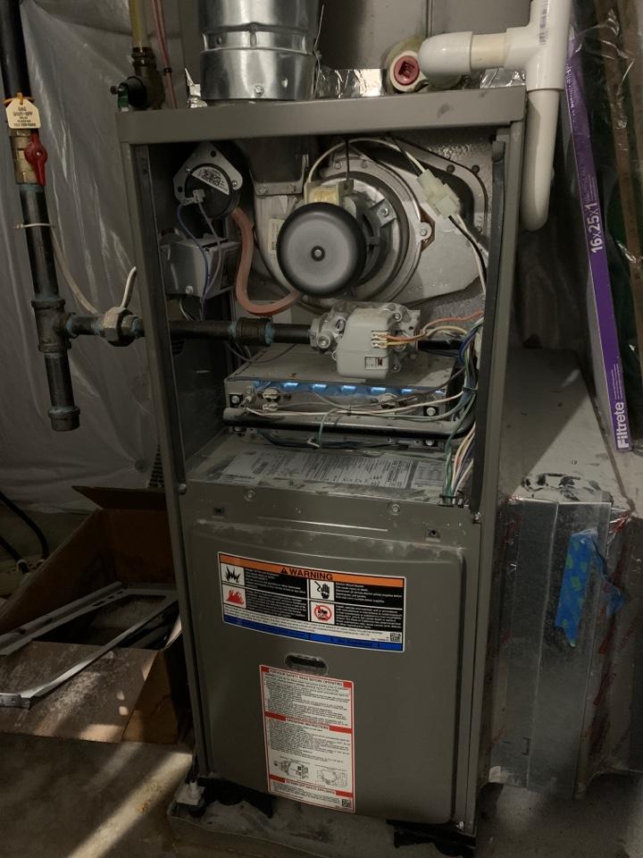 Stephens City, VA - Heat Service Call. Performed Furnace Repair on Lennox.