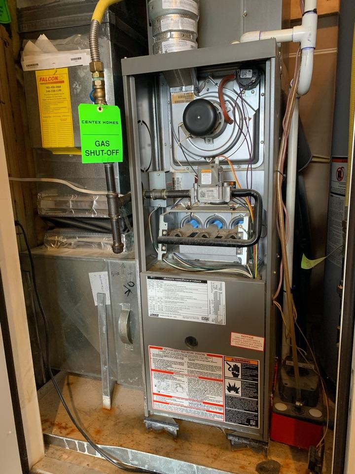 Stephens City, VA - Heating service call. Performed Gas Furnace repair on Lennox.