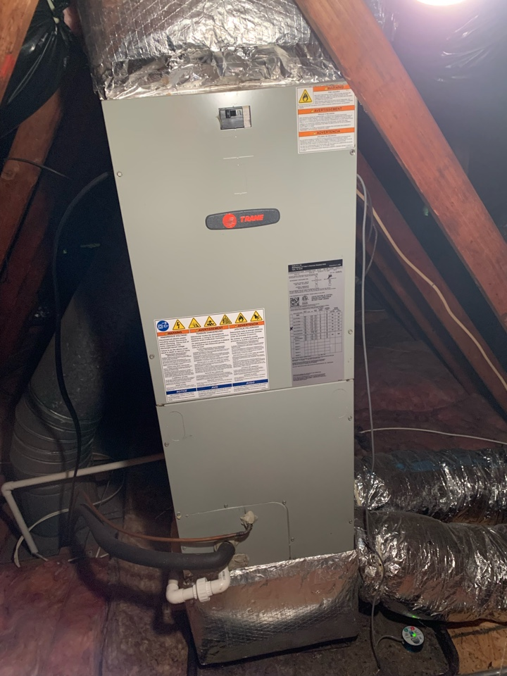 Leesburg, VA - Air conditioning maintenance call. Performed AC tune up on Trane.