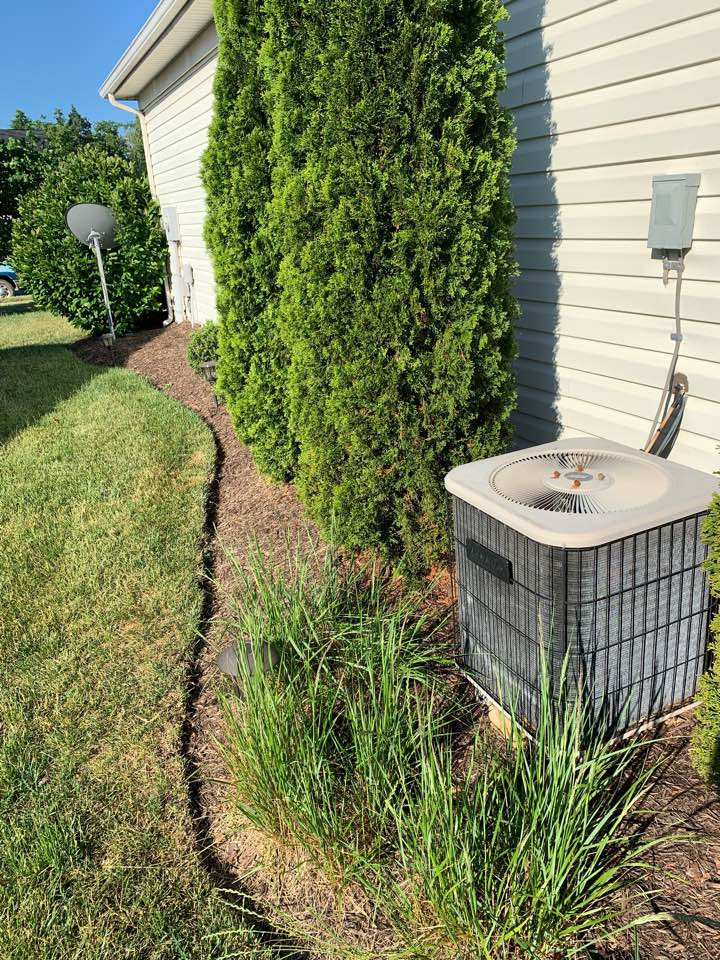 Stephens City, VA - AC maintenance Call. Performed air conditioning tune up on Lennox.