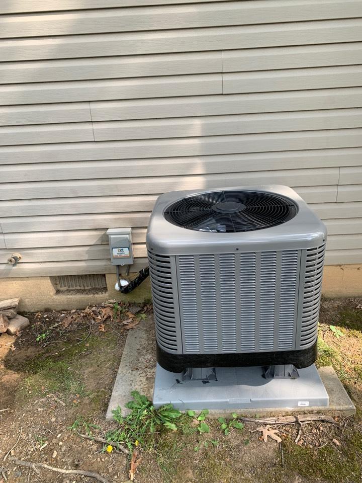 Stephens City, VA - Heat Pump installation call. Performed Heat Pump install on Rheem.