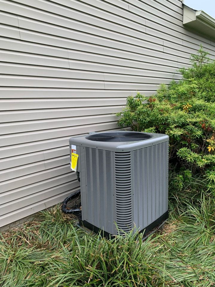 Strasburg, VA - Heat Pump Installation Call. Performed Heat Pump Install on Rheem.