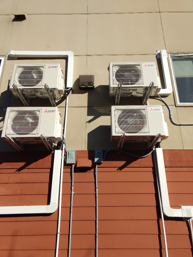 Burien, WA - Multi-unit ductless heat pump installation